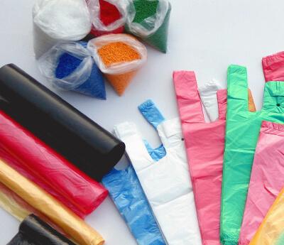 Špecializujme sa na výrobu rolo sáčkov, blokovaných sáčkov, tašiek, tlačenkových obalov.